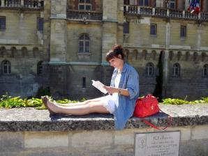 Yuliya Modeuse vous invite à lire Isidore Tiperanole et les trois lapins de Montceau-les-Mines