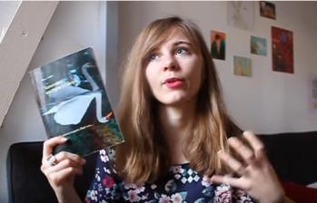 Laura du Bal des livres fous vous invite à lire SANSONNETS UN CYGNE À L'ENVERS cliquez ici