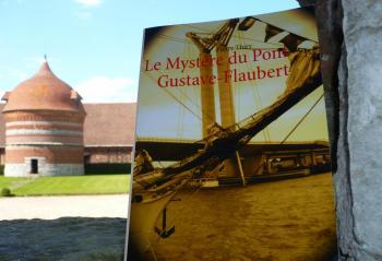 La Ménagère trentenaire vous invite à lire LE MYSTÈRE DU PONT GUSTAVE-FLAUBERT