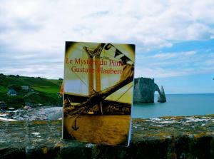 Commandez Le Mystère du pont Gustave-Flaubert pour le lire cet été au soleil