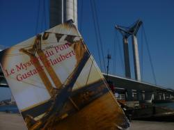 Le Mystère du pont Gustave-Flaubert chroniqué par une lectrice qui a eu envie d'aller visiter le pont de ses propres yeux