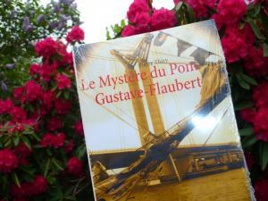 Andrée la papivore a lu Le Mystère du pont Gustave-Flaubert et vous le recommande