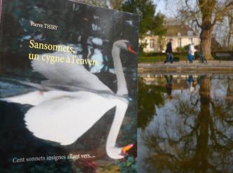SANSONNETS UN CYGNE À L'ENVERS attend ses lecteurs