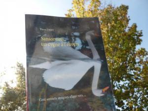 Le bal des livres fous a lu SANSONNETS UN CYGNE À L'ENVERS et vous le recommande cliquez ici