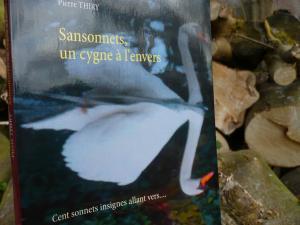 Stories-of-books vous invite à lire SANSONNETS UN CYGNE À L'ENVERS CLIQUEZ ICI