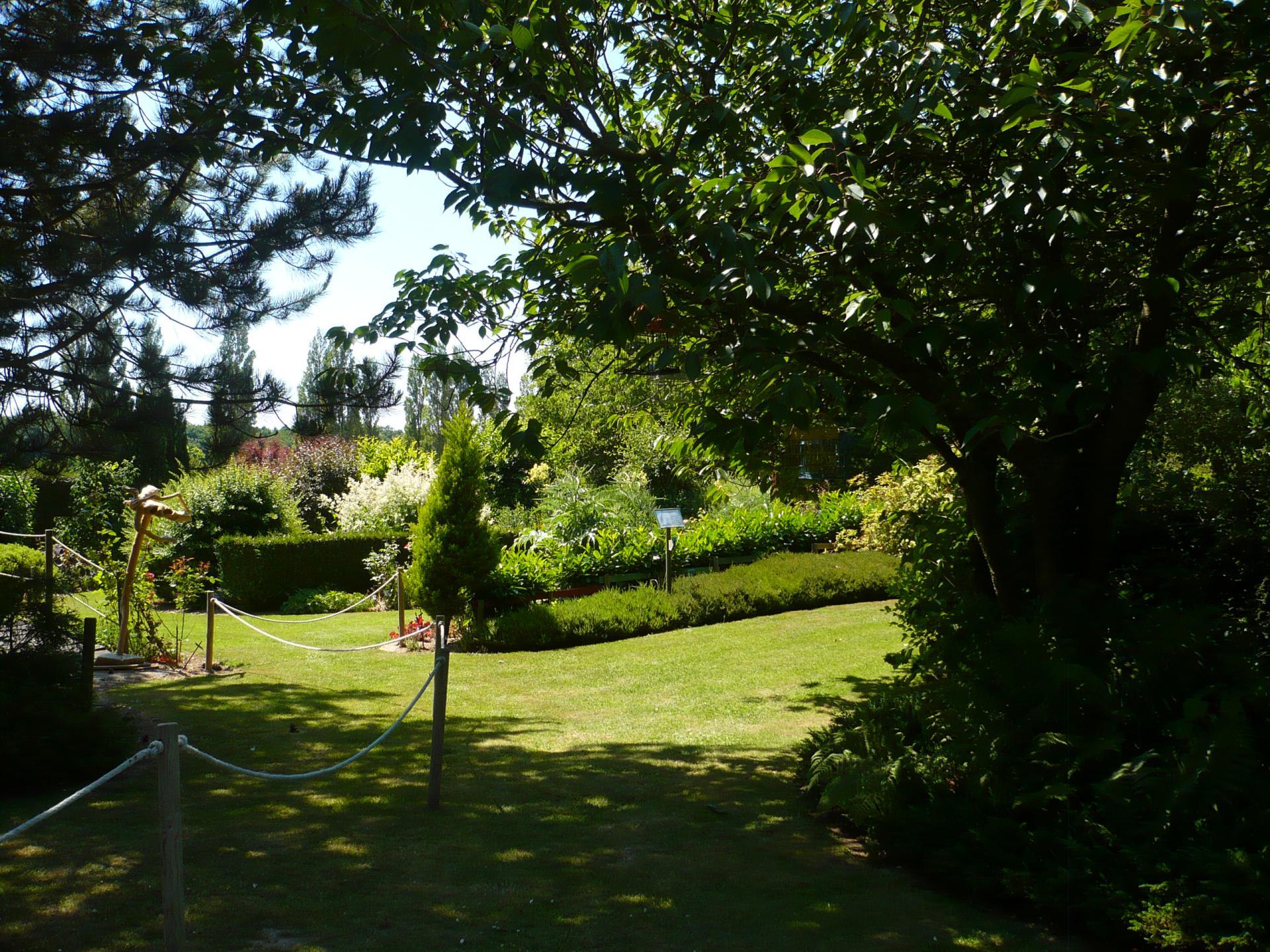 Savourer le plaisir d'écrire au Jardin d'Ar Home (Mont Cauvaire)